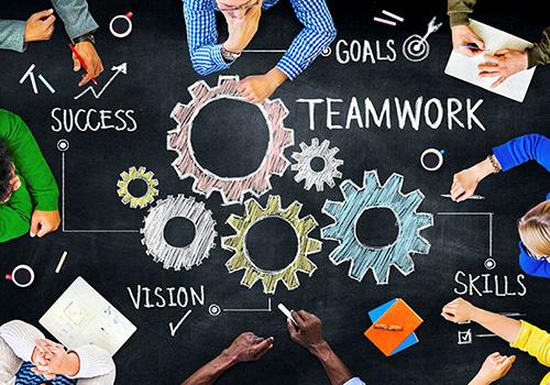 بینش+ صمیمیت+توجه+اشتیاق+ ارتباطات+ سازگاری+وفقپذیری+ استعداد+استانداردها+تیمسازی+استارتآپها+تیمسازی+تجربه داشتن+بنیانگذاران+
